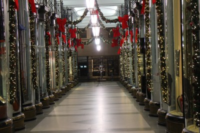 A mall with it's christmas decorations... but it was closed this night.