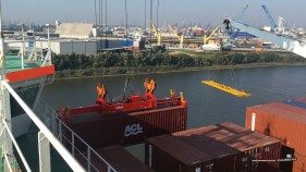 Verladung von Containers
