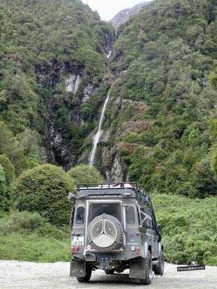 Einer von unzähligen Wasserfällen entlang der Ruta 5 Sur