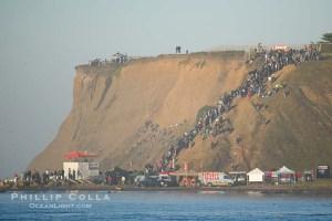 Mavericks dove i surfisti aspettano the big one la grande onda.