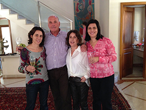 Dalmacia and her family in June 2015, a few weeks after surgery. From left to right: Rita, Veridiana's sister, Luiz, her father, Dalmacia and Veridiana.