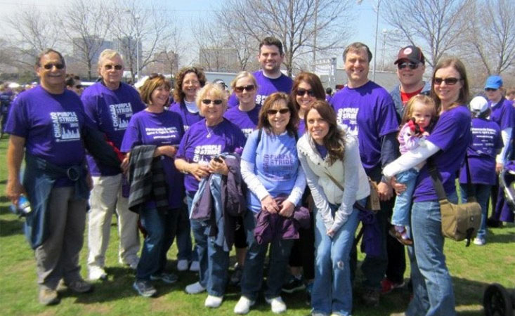 Family of 12-year pancreatic cancer survivor gather around her at 5K walk in Chicago