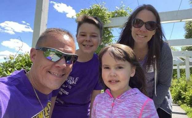 PanCAN volunteer Dan LaMagna of Scranton, Penn., and family