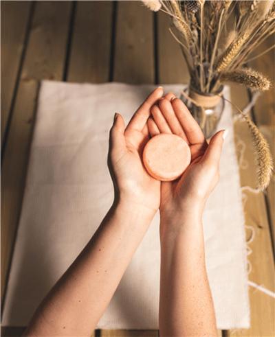 vaste shampoo blok - zachte zeep shampoo - shampoo zeep - blok shampoo – natuurlijke shampoo