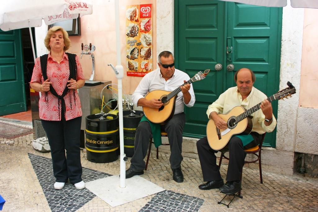 Concert de Fado dans le vieux quartier d'Alfama
