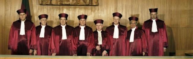 Il poco amichevole confronto tra la Corte costituzionale tedesca e la Corte di giustizia dell'Unione europea: dialogo o negoziato?