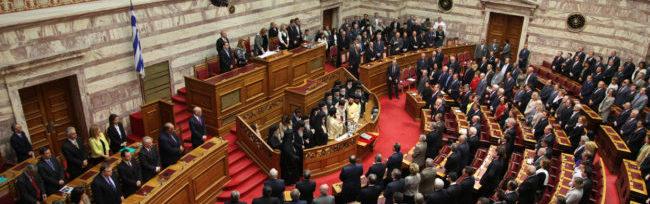 La democrazia come doxa dei corpi vivi e come sistema di partiti. Risposta a Piccinelli