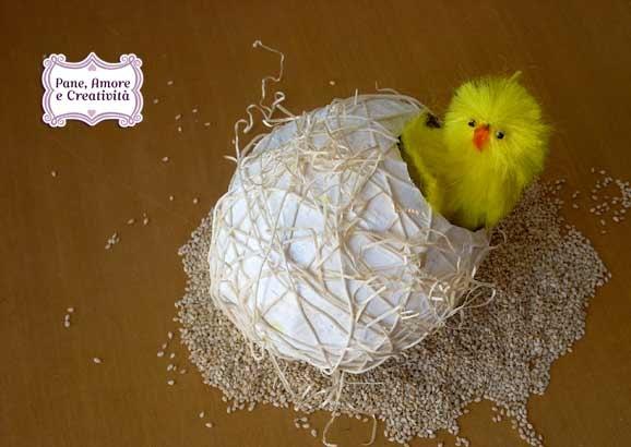 Uova di cartapesta la decorazione al naturale  Pane