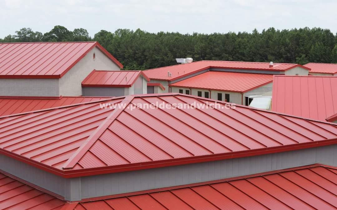 Mejora las prestaciones de tus chapas para tejados con PANEL SANDWICH GROUP