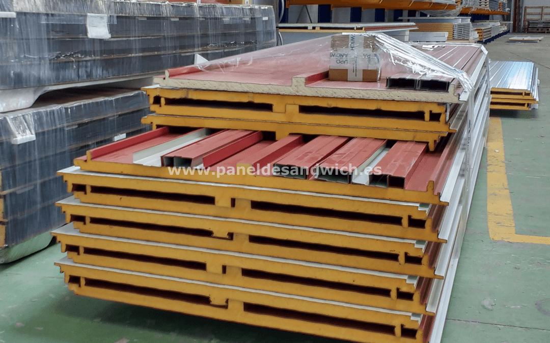 Construcción de naves industriales al mejor precio con Panel Sandwich Cubierta Tapajuntas