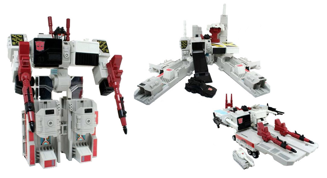 figure 8 transformers generations metroplex panels on pages