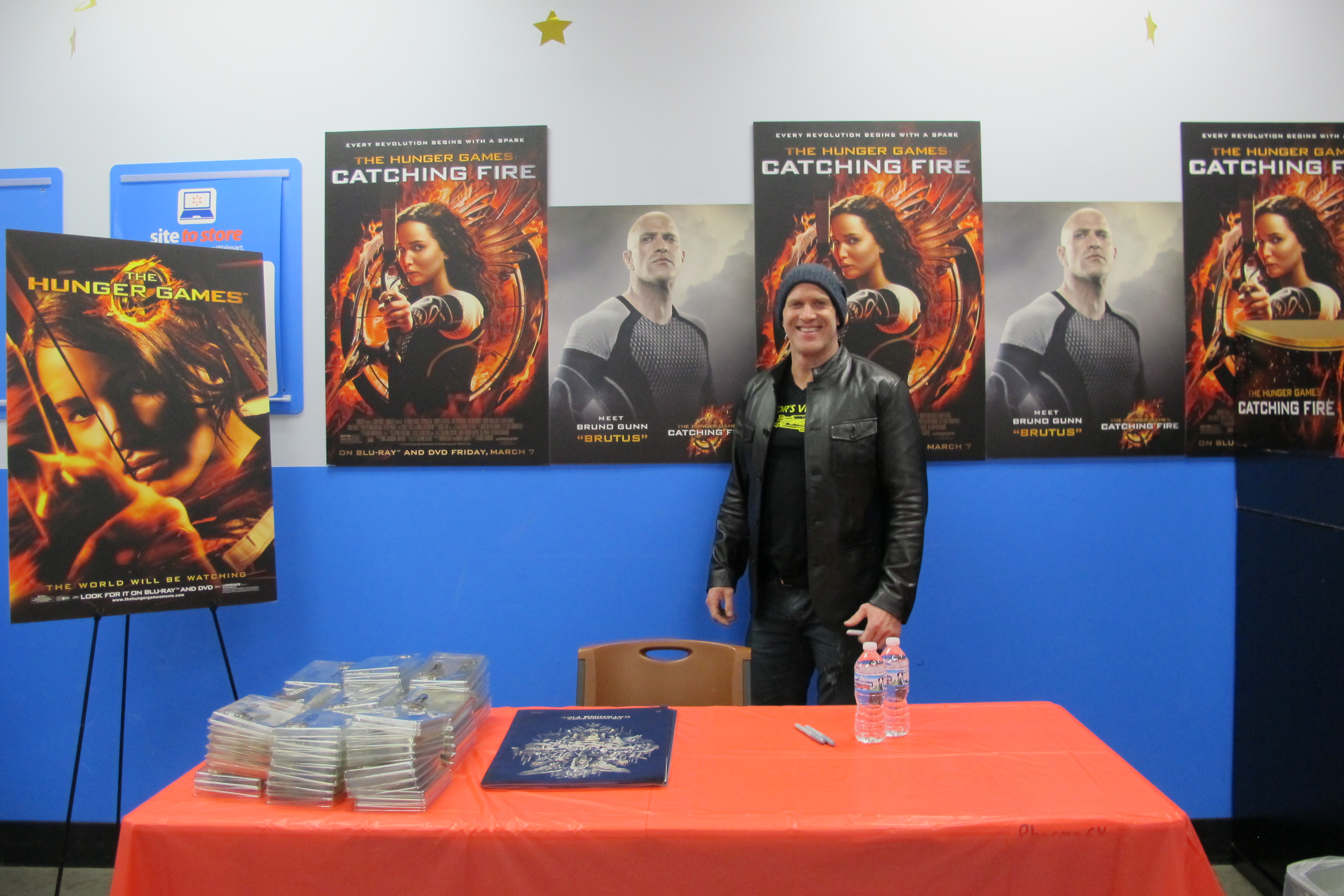The Catching Fire Cast Midnight Release Appearances At