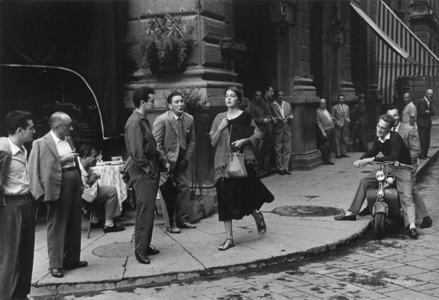 Ruth Orkin. American Girl in Italy. 1951