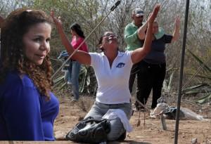 Montaje de Iris  en Madres llorando por los desaparecidos y muertos de Uribana