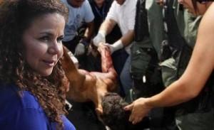 Montaje sobre foto real de desalojo de Uribana