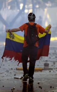 BgjtQNMCIAAakG5 188x300 El bucle infinito de la arrogancia venezolana
