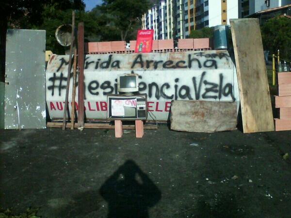 Barricada en la Cardenal Quintero, Mérida