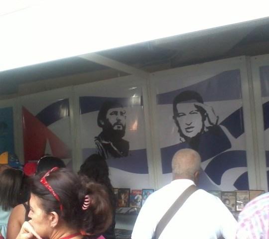 La verdadera bandera de Venezuela (irónicamente, esta mañana se realizó una marcha contra la cubanización).