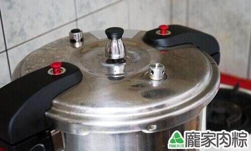 壓力鍋煮肉粽