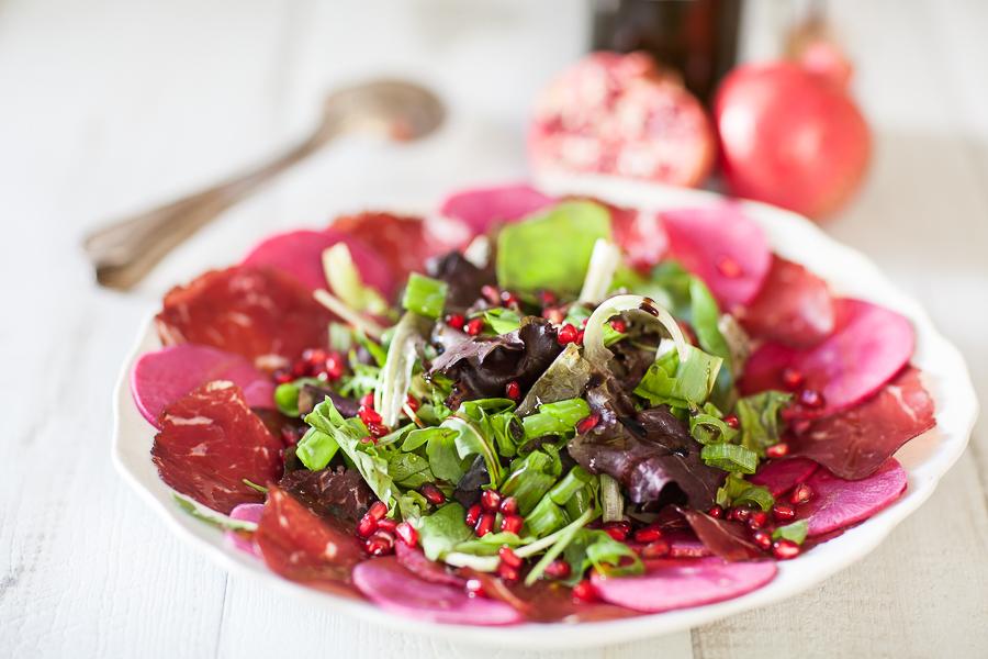 salade-de-radis-red-meat-bresaola-et-grenadeannedemayreverdy01