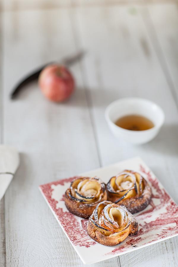 tartelettes-roses-aux-pommes-et-confiture-dabricotannedemayreverdy02
