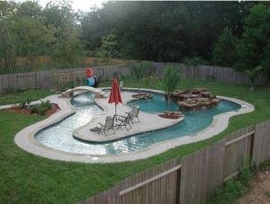 Pool och lekland