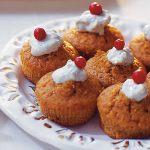 Minimuffins med ädelost och lingon