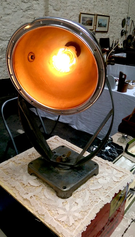 industrial_lamp