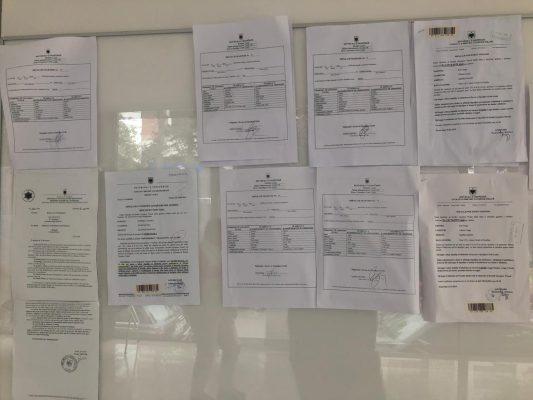 Shpalljet e martesave në zyrën e gjendjes civile Lezhë : Foto nga : Elvis Hila