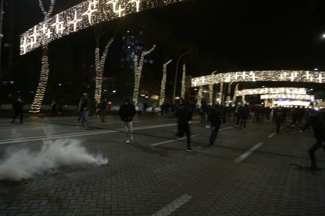 Protesta-Dhuna-Klodian-Rasha-gaz-lotsjelles-tym-policia-sulmi-shkaterrimi (23)