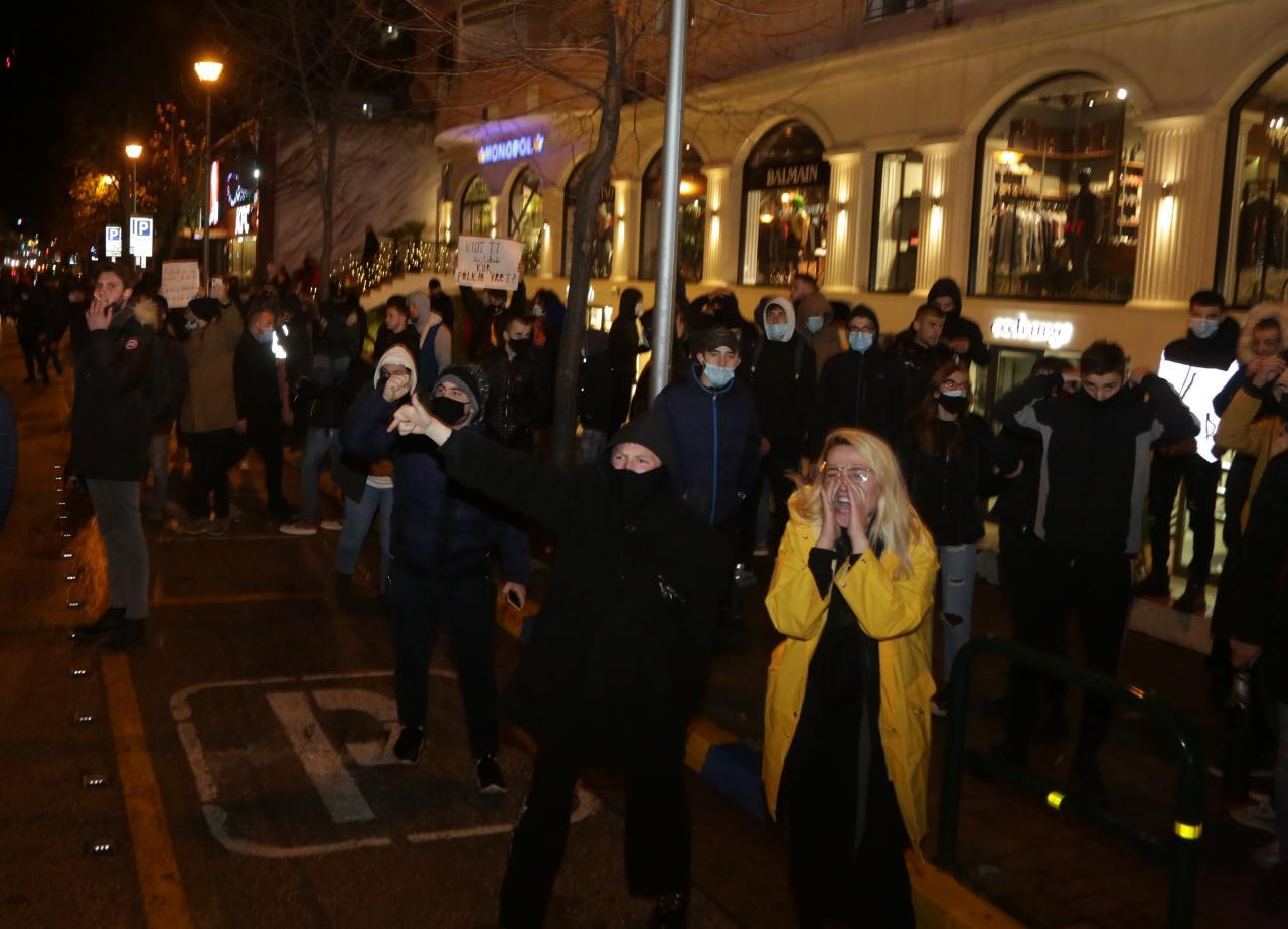 Protesta-Dhuna-Klodian-Rasha-gaz-lotsjelles-tym-policia-sulmi-shkaterrimi (40)