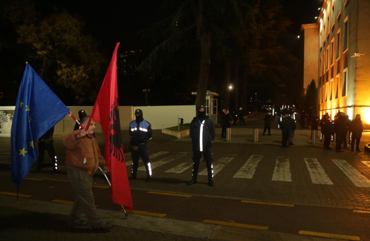 Protesta-Dhuna-Klodian-Rasha-gaz-lotsjelles-tym-policia-sulmi-shkaterrimi (9)