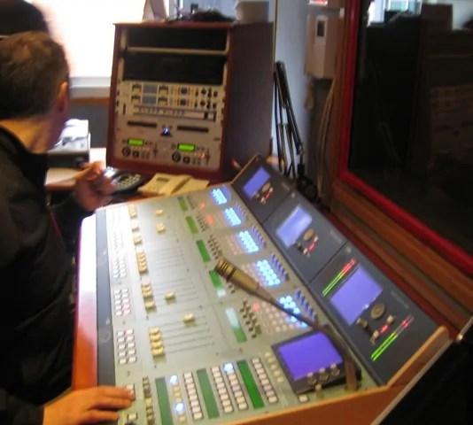 Badalona Comunicaci confa en los mezcladores digitales