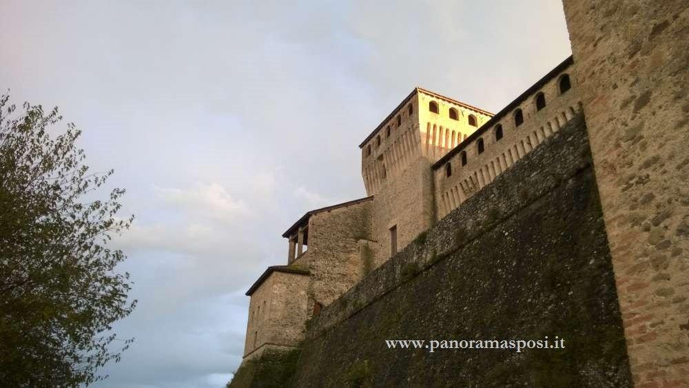 castello di torrechiara parma ok panorama sposi