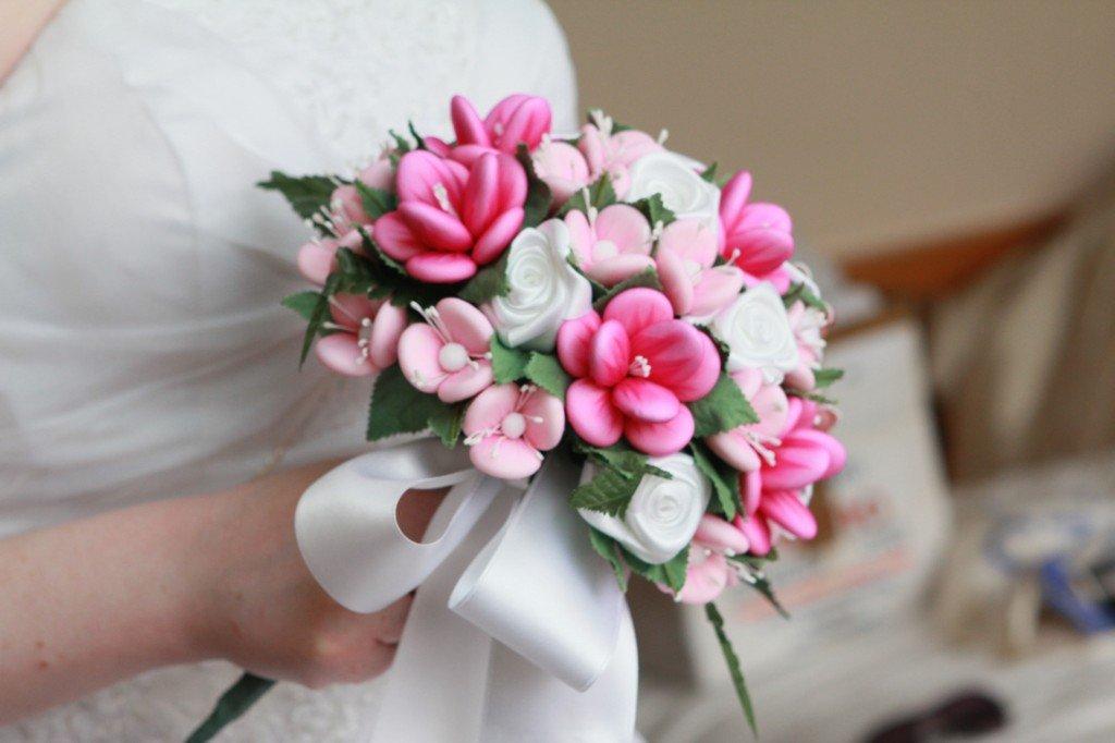 Fiori del bouquet fatto di confetti