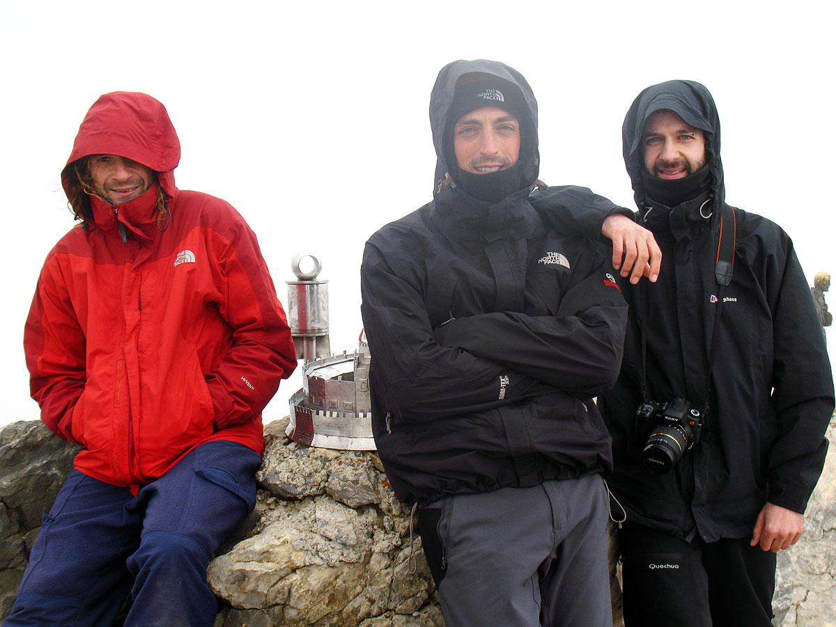 Pirineos ruta circular mesa de los tres reyes y petrechema for La mesa de los tres reyes