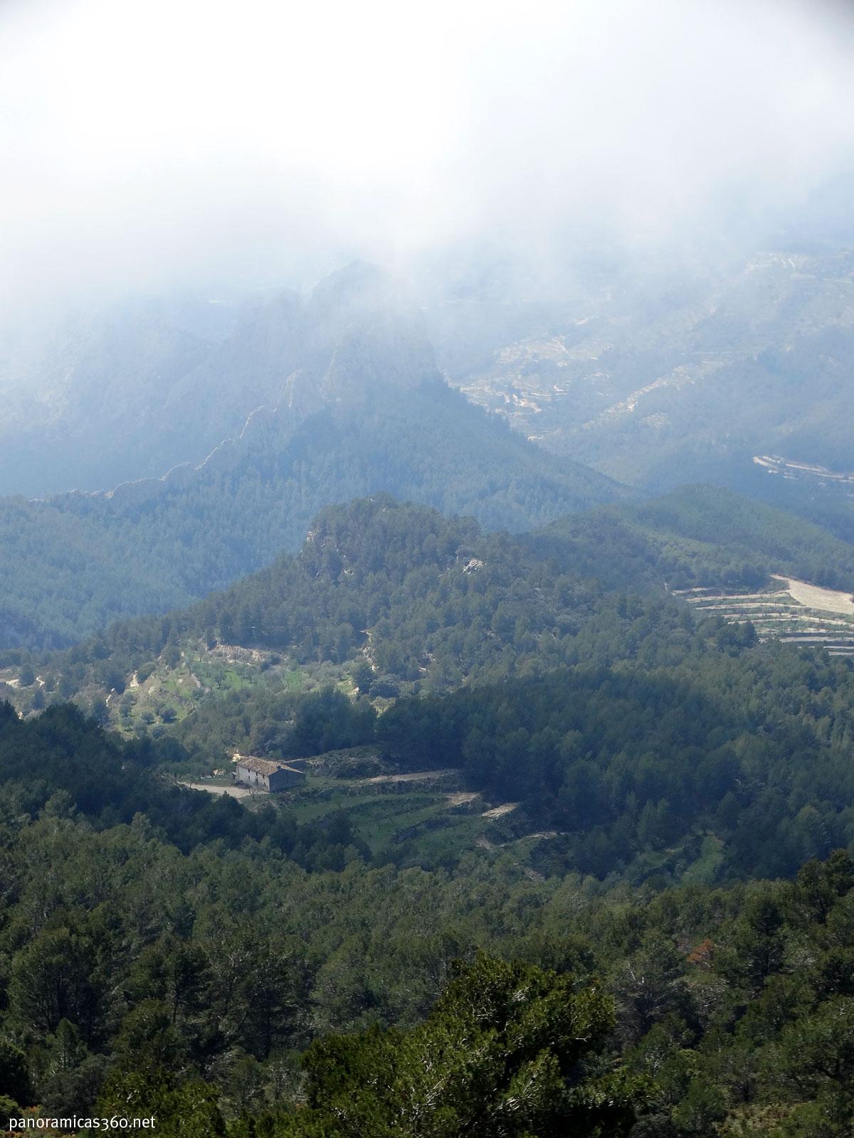 Mas de la Carrasca desde el Monte Cabal