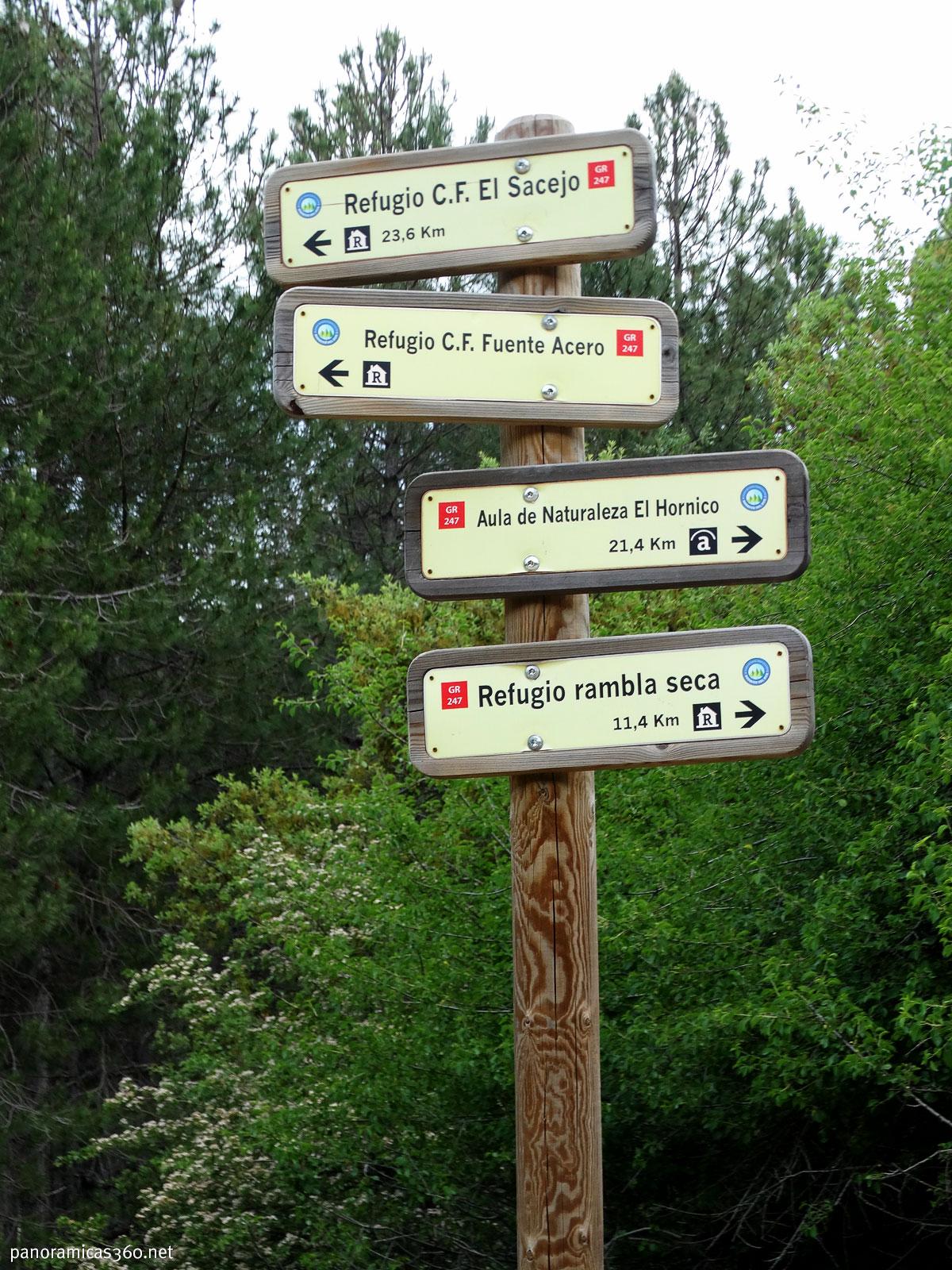 Varias señales del GR 247