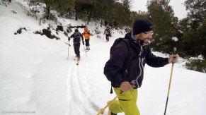 Roy, Mercuri, Javi y Anaya haciendo esquí de montaña en la Sierra de Aitana en Alicante