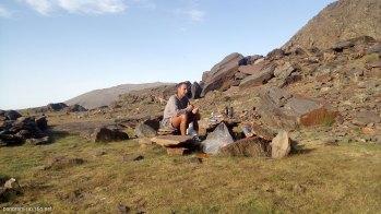 Cenando junto a la laguna Gabata en Sierra Nevada
