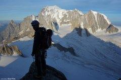 Óscar con el Mont Blanc de fondo