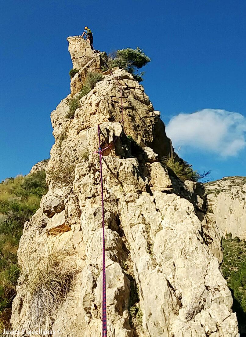 Primera parte de la cresta en el Cabeçó d´Or