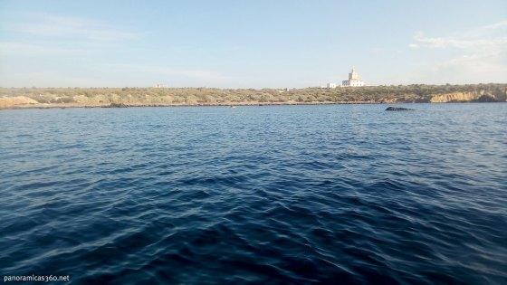 Isla y faro de Tabarca desde la isleta de la Galera