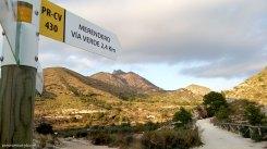 Señales de PR y SL en la vía verde del Maigmó