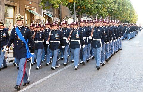 Scuola Sottufficiali gli allievi del 18 corso Lealt nominati Marescialli salutano Viterbo con