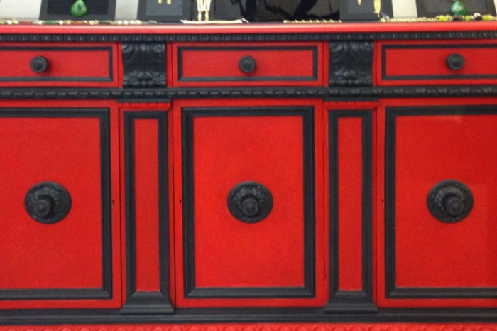 CredenzaRed01web-1024x1024