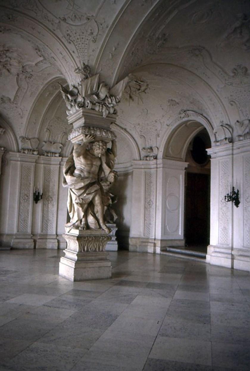 """alt=""""Castello del Belvedere"""""""