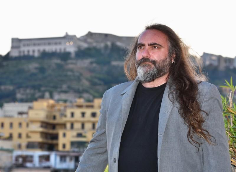 Yes I know... Pino Daniele è il titolo del libro scritto da Carmine Aymone, nella foto