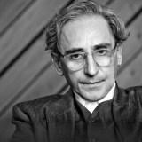 Franco Battiato nel canone letterario dei cantautori. Due esempi: Prospettiva Nevsky e Povera patria
