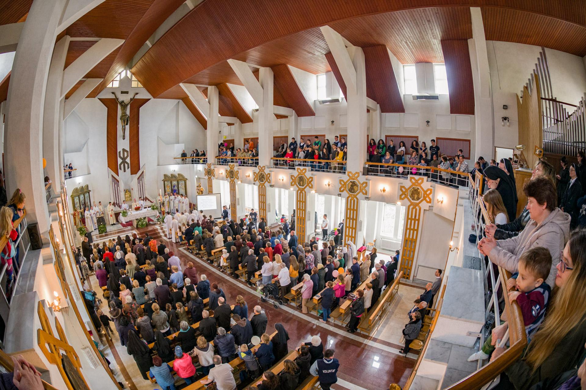 Festivalul Bucuriei, sărbătoarea ARCB în așteptarea Papei Francisc | VIDEO